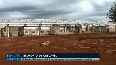 Licitação é feita para definir empresa que vai concluir terminal do aeroporto de Cascavel - A obra está parada desde 2015 quando a empresa responsável abandonou o serviço pela metade.