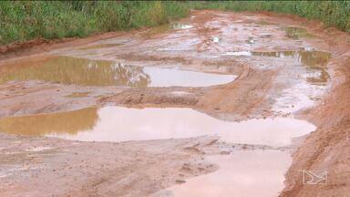 Chuvas causam transtornos em rodovias no sul do Maranhão - Colheita da safra de soja começa no fim do mês e até agora nenhum serviço de recuperação foi iniciado.