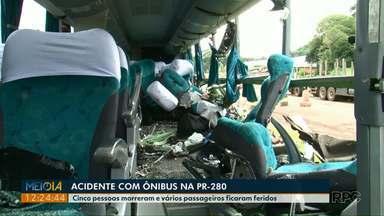 Motorista bêbado bate em ônibus e cinco pessoas morrem - O acidente foi na PR-280 entre Mariópolis e Clevelândia