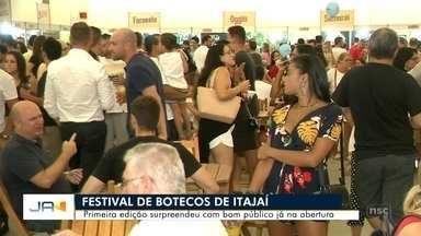 Público lota Centreventos na primeira edição do Festival de Botecos em Itajaí - Público lota Centreventos na primeira edição do Festival de Botecos em Itajaí