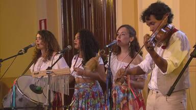 Reveja: Boi Luzeiro leva folia, ciranda e maracatu ao Globo Horizonte - Nossa cultura popular se manifesta em modos de fazer, saberes e também música e poesia.