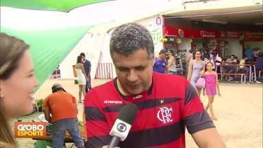 Com título e contratações, Flamengo empolga torcedores - Nas ruas de Brasília, rubro-negros demonstram otimismo para 2019. Rivais cornetam.