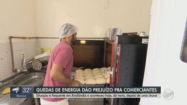 Quedas de energia prejudicam comerciantes e moradores em Analândia - Situação, que é frequente na cidade, deixou os estabelecimentos uma hora sem eletricidade.