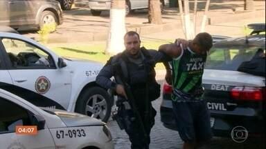 Presos em ação contra tráfico de drogas e armas movimentavam R$ 200 milhões por ano - Treze pessoas foram presas em uma operação contra a quadrilha, no Rio de Janeiro e nos Espírito Santo.
