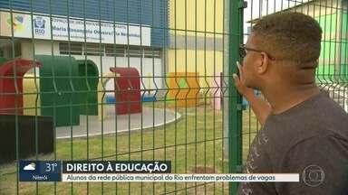 Alunos da rede pública municipal do Rio enfrentam problemas de vagas - Hora de fazer a matrícula do filho na escola. Mais um ano, os pais estão enfrentando problemas. Muita gente não consegue vaga. Quando consegue, a escola é muito distante de casa.