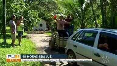 Moradores do distrito de Floriano, em Barra Mansa, estão há dois dias sem energia elétrica - Por causa da falta de energia, mais de 1200 litros de leite que estavam em um tanque, tiveram que ser jogados fora.