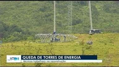 Mais de 200 pessoas trabalham para reconstruir torres de enrgia em Campo Alegre - As estruturas fazem parte de importante linha de transmissão no sudeste de Goiás.