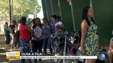 Candidatos enfrentam fila para tentar vagas na prefeitura de Eunápolis, no sul do estado - Nesta segunda (21) a fila é formada por professores.