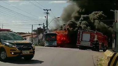 Madrugada tem novos ataques no Ceará - Cinquenta cidades do estado já sofreram atentados.