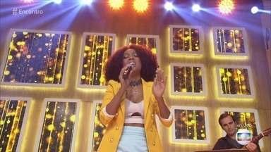 Negra Li canta 'Saudosa Maloca' - Cantora homenageia São Paulo no dia do aniversário da cidade