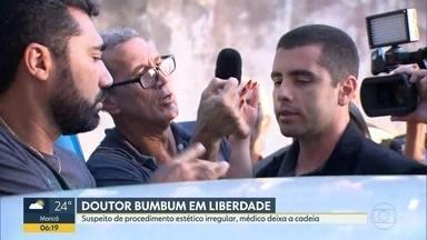 Dr. Bumbum deixa cadeia - Denis Furtado estava preso há seis meses. O médico vai responder em liberdade pela morte da bancária Lilian Calixto. Ele foi internada em jullho de 2018, para fazer um procedimento, mas morreu horas depois.