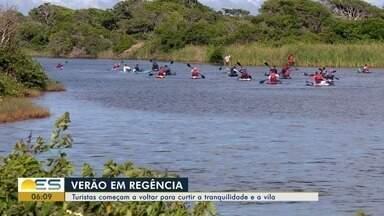 Turistas começam a voltar para curtir a tranquilidade e a vila de Regência, no Norte do ES - Depois do desastre no Rio Doce, turistas abandonaram localidade.