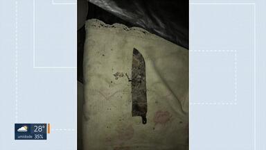 Polícia encontra faca no apartamento incendiado na 310 Norte - Peritos vão confrontar as características da faca com os ferimentos no corpo de Veiguima Martins, de 56 anos, morta pelo marido. O sepultamento da vítima está marcado para esta sexta-feira (01).