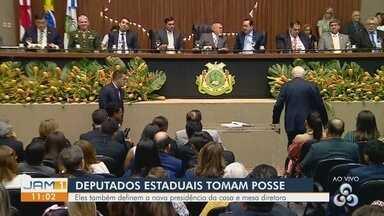 Deputados estaduais tomam posse na Assembleia Legislativa do Amazonas - Cerimônia aconteceu no final da manhã desta sexta-feira (1), em Manaus.
