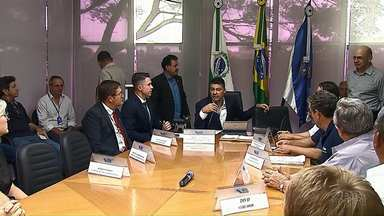Prefeitura autoriza obras de asfalto em sete ruas da Ronda e de Uvaranas em Ponta Grossa - Obras foram anunciadas em uma coletiva de imprensa.