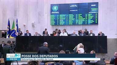 Deputados estaduais toma posse nesta sexta-feira (31) - Cerimônia ocorreu no Recife.