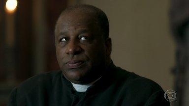 Padre Ramiro pede para conversar com Feliciano - Guardião pergunta se religioso já tem uma resposta para o convite de Gabriel
