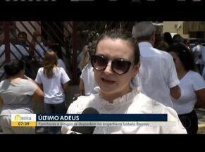 Corpo de engenheira da tragédia em Brumadinho é enterrado em Governador Valadares - O reconhecimento do corpo de Isabela Barroso foi feito pelas impressões digitais.