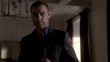 O Golem - Ezra relembra o passado enquanto Mickey grava conversa. Ezra sofre acidente de carro e acredita que matou alguém. Ray se surpreende com suspeitos de investigação do agente Miller.