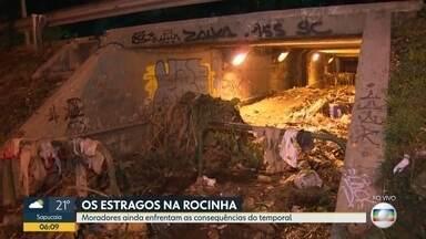 Moradores da Rocinha sofrem com as consequências da chuva de quarta-feira (6) - As ruas ainda estão alagadas e cheias de lixos.
