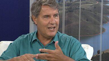 Diretor de Meio Ambiente de Mogi fala sobre os ecopontos de descarte correto de resíduos - Segundo André Miragaia, quando as pessoas jogam lixo na rua, também incentivam o criadouro do mosquito Aedes Aegypti.