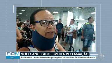 Cancelamento de voo provoca tulmulto no aeroporto de Salvador - A empresa responsável disse que o avião precisou por uma manutenção preventiva antes de viajar.