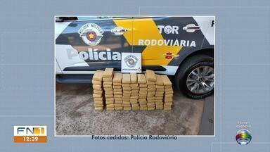 Adolescente é apreendido com droga em Teodoro Sampaio - Policiais encontraram 30 quilos de maconha durante a abordagem.