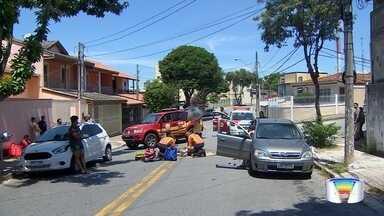 Ciclista fica gravemente ferido em acidente na zona sul de São José - Ele foi levado para o pronto socorro.