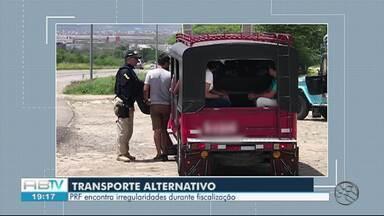 Veículos de transporte alternativo são alvo de fiscalização durante operação da PRF - Dos 17 veículos abordados, 14 possuíam irregularidades, segundo a polícia.
