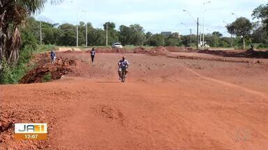 Obra parada: construção de ponte na NS-4 segue sem conclusão em Palmas - Obra parada: construção de ponte na NS-4 segue sem conclusão em Palmas