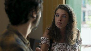 Lourdes Maria implora a Geandro pelo emprego na loja - Lourde Maria propõe a Geandro pensar na sua proposta