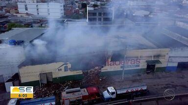 Comerciantes de locais próximos a madeireira incendiada reclamam de prejuízos - Comerciantes de locais próximos a madeireira incendiada reclamam de prejuízos.