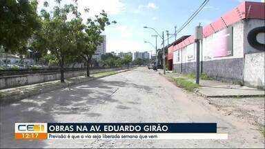 Trecho da Eduardo Girão continua bloqueado para obra da Cagece - Confira outras notícias no g1.globo/ce