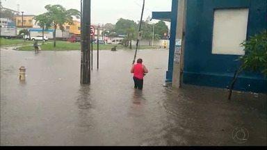 Chove, em um dia, o esperado para o mês de fevereiro em João Pessoa - As ruas ficaram alagadas e semáforos apagados.