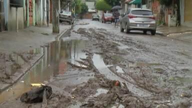 Prefeitura de Itaquaquecetuba se reúne com Daee para tratar de alagamentos após chuvas - Vila Maria Augusta está debaixo d'água desde o início.
