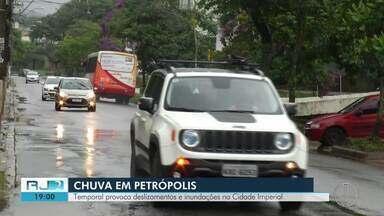 Temporal provoca deslizamentos e inundações em Petrópolis, no RJ - Assista a seguir.