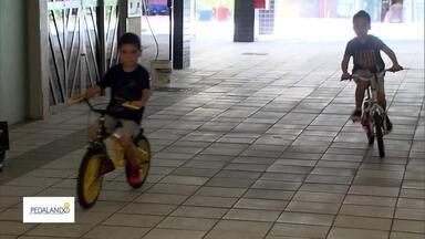 Veja os desafios para a criançada que está começando a dar as primeiras pedaladas - Pedalar é a primeira grande conquista da maioria das crianças. Veja também que as bikes também começaram a se destacar no mercado de entrega delivery.