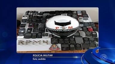 Polícia apreende mais de 80 celulares em Porto Feliz - Polícia Militar apreendeu mais de 80 celulares em Porto Feliz (SP).