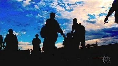 Proposta de reforma da Previdência mexe com aposentadorias especiais - A proposta de Reforma da Previdência mexe nas aposentadorias de políticos, professores e trabalhadores rurais. Militares entram em um projeto que será apresentado a parte.