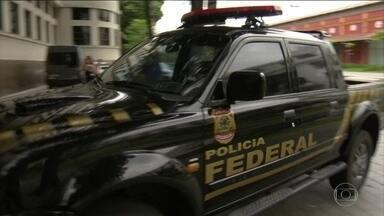 Em investigação sobre o caso Marielle, PF vai a endereços de policiais - Operação pedida por Raquel Dodge visa a apurar tentativas de atrapalhar as investigações do assassinato da vereadora Marielle Franco e do motorista Anderson Gomes.