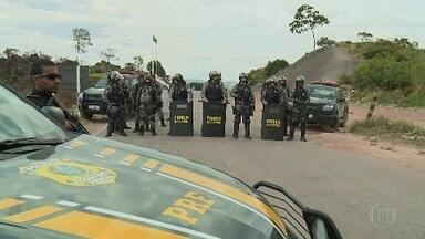 Tensão marca o domingo na fronteira do Brasil com a Venezuela - Militares da Guarda Nacional bolivariana e imigrantes venezuelanos que estão em território brasileiro voltaram a se enfrentar.