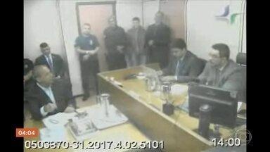Sérgio Cabral dá detalhes sobre esquema de propina que comandou em depoimento à Justiça - Em um dos trechos, o ex-governador do Rio de Janeiro diz que o apego ao dinheiro é um vício.