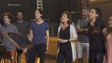 Próxima reportagem especial de Giuliana Girardi é sobre o mundo dos musicais - Repórter vai se transformar em uma atriz de musical na matéria, que vai ao ar em breve no 'Fantástico'