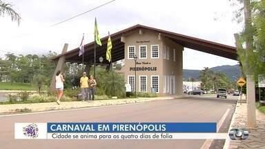 Pirenópolis espera receber cerca de 50 mil pessoas no carnaval - Durante a folia, a segurança foi reforçada na cidade.