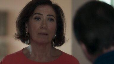 Olavo pressiona Valentina para descobrir o paradeiro de Laura - Sampaio escuta a discussão e tenta esconder o corpo de Laura