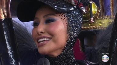 Sabrina Sato diz que teve emoção dobrada como Rainha de Bateria da Unidos de Vila Isabel - Em seu nono ano como rainha de bateria da Vila Isabel, Sabrina Sato disse que ficou muito emocionada por ser seu primeiro desfile após ser mãe. Ela também elogiou os integrantes da escola e a Fátima Bernardes.