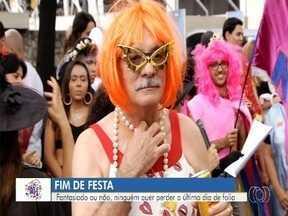 Carnaval tem estreia de bloco contra assédio e outras festas em Goiânia - Pela primeira vez na capital, Bloco Não é Não alerta para a importância de se divertir com responsabilidade e respeito. Mercado da 74 fica lotado de foliões em último dia de festa.