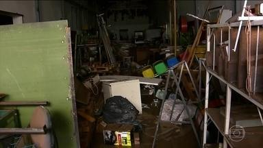 Chuva também causa um grande prejuízo econômico para São Paulo - A chuva destruiu produtos e equipamentos e, em alguns casos, negócios inteiros. A Fecomércio estimou em R$ 45 milhões os prejuízos nas vendas do comércio de São Paulo e no ABC Paulista.