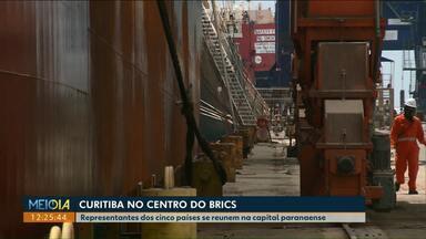 Representantes de cinco países se reúnem na capital paranaense - Grupo de países emergentes do BRICS vai discutir relações comerciais.