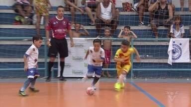 7º Torneio Corpo em Ação de Futsal começa com jogos movimentados na primeira rodada - Abertura foi realizada no ginásio do Gremetal, em Santos.